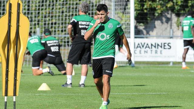 Sporting oficializa a contratação de Marcos Acuña