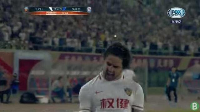 Alexandre Pato: Três jogos, três golos. E o último é uma maravilha