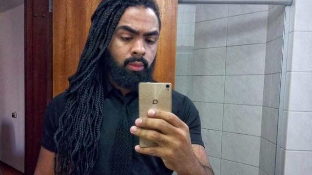 """Advogado negro barrado em bar para não ser """"confundido com o segurança"""""""
