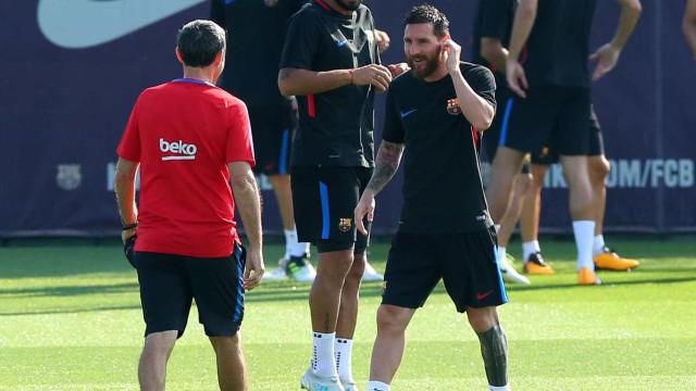 """Treinador do Barcelona avisa: """"Messi é o melhor do mundo, mas..."""""""