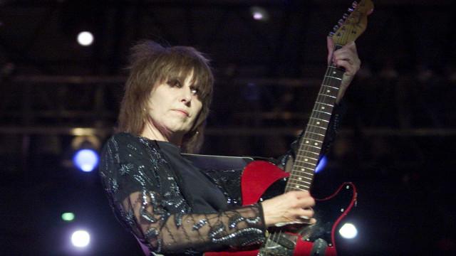 Festival cooljazz: Guitarra assinada por Chrissie Hynde rende 1.565 euros