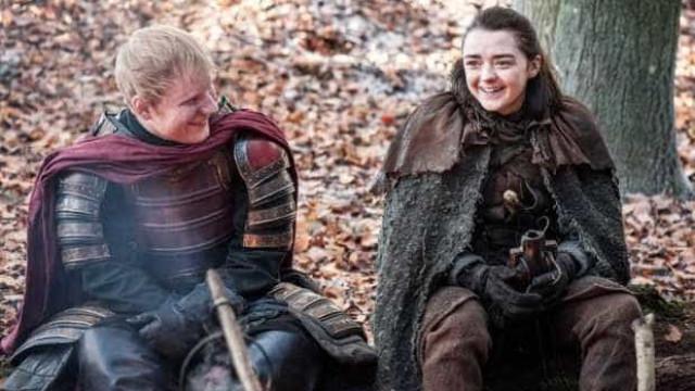 """Ed Sheeran cantou """"uma música nova"""" em episódio de 'Guerra dos Tronos'"""