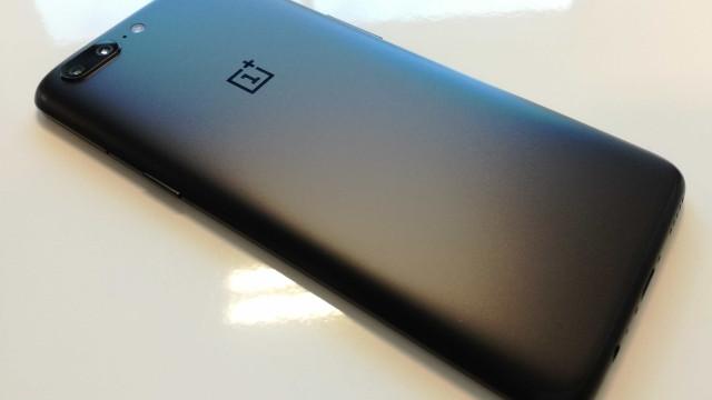 OnePlus 5T já no próximo mês? Veja as novas imagens