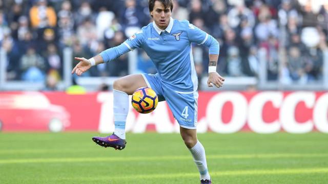 Sporting terá levado 'nega' por lateral da Lazio