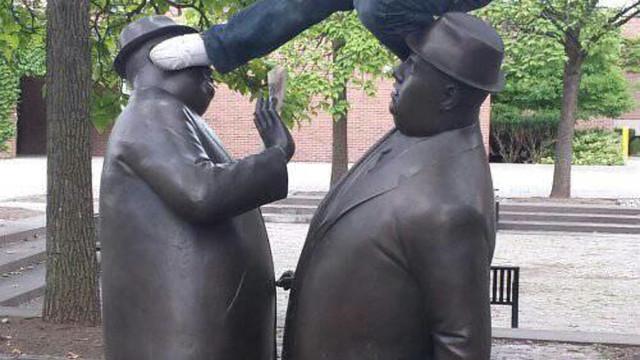 Fotografias criativas (e muito engraçadas) tiradas com estátuas