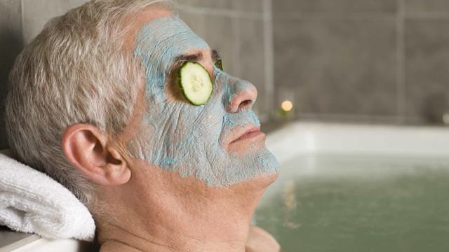 Dez coisas que pode fazer enquanto relaxa no banho