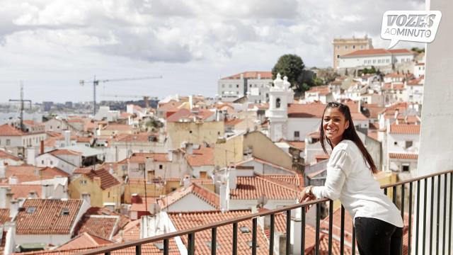 """""""Um dia, os turistas vêm a Alfama para se verem uns aos outros"""""""