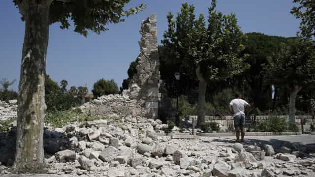 Turista sueco e cidadão turco morrem no sismo ocorrido na ilha grega