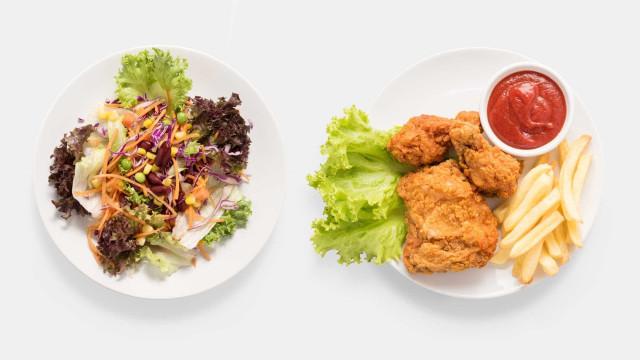 Porque é que preferimos a comida que nos faz mal à que é saudável?