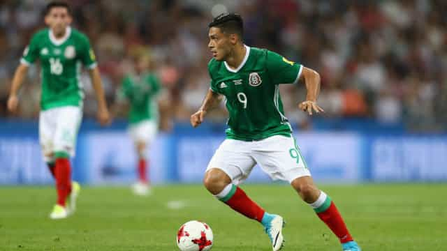 Raúl Jiménez pondera saída e revela interesse pela Premier League