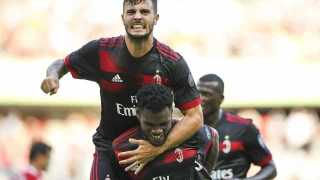 André Silva estreia-se pelo AC Milan com goleada frente ao Bayern