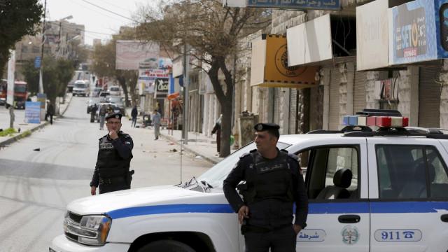 Pelo menos um morto em ataque a embaixada de Israel na Jordânia