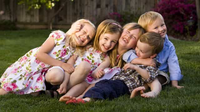 Dia dos Primos: Os benefícios de ter irmãos, sem ter de partilhar casa