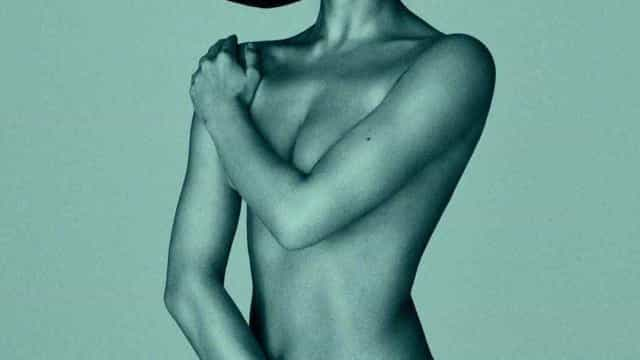 Após ter sido mãe, Irina Shayk posa nua para revista