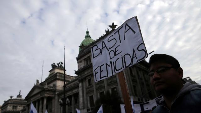 Na Argentina, uma criança ou jovem perde a mãe a cada 18 horas