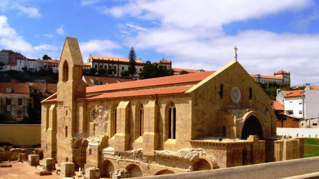 Mosteiro de Santa Clara-a-Velha com concertos de jazz em agosto