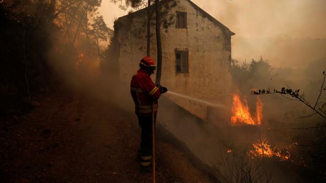 Há nove concelhos no país em risco muito elevado de incêndio