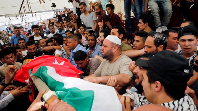 Milhares de jordanos protestam em funeral contra Israel