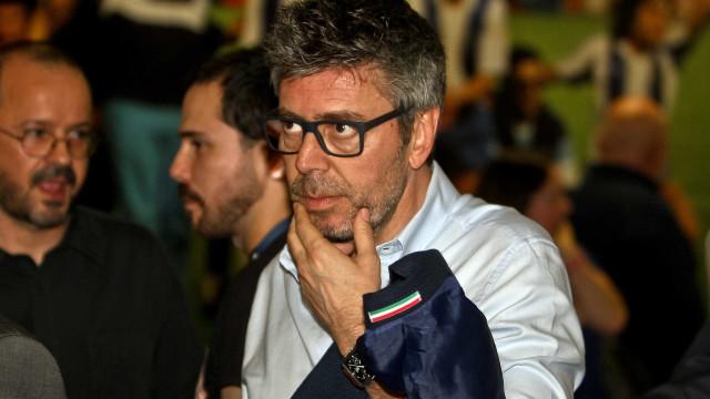 "J.Marques ironiza: ""Lá vem o Benfica reclamar penálti para o V. Setúbal"""
