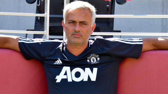 Mourinho admite estar à espera de mais dois jogadores