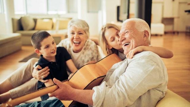 Dia dos Avós: Uma relação com benefícios mútuos