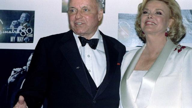 Morreu mulher de Sinatra, conhecida ativista pelos direitos das crianças