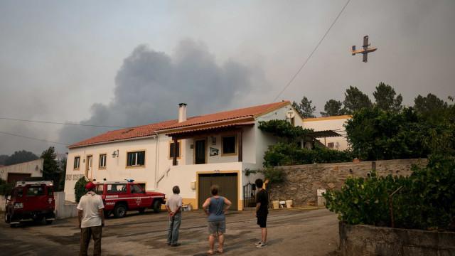 Parte importante do incêndio de Mação está controlada, garante autarca