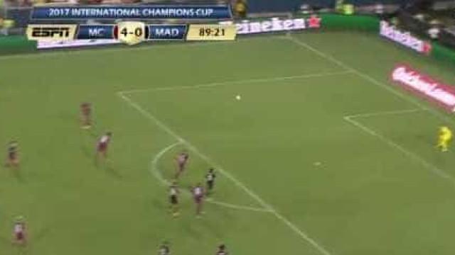 Atenção à nova pérola do Real Madrid: Chama-se Óscar e marcou este golaço