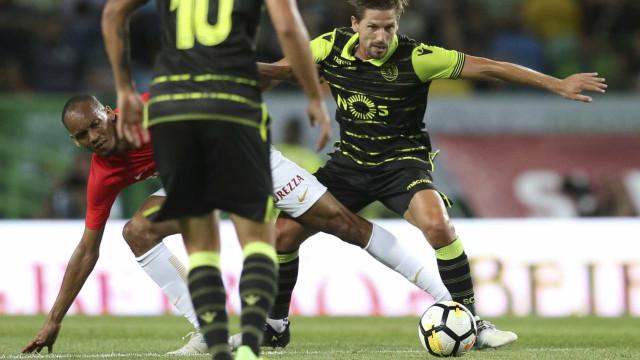 Adrien inscrito na Premier League