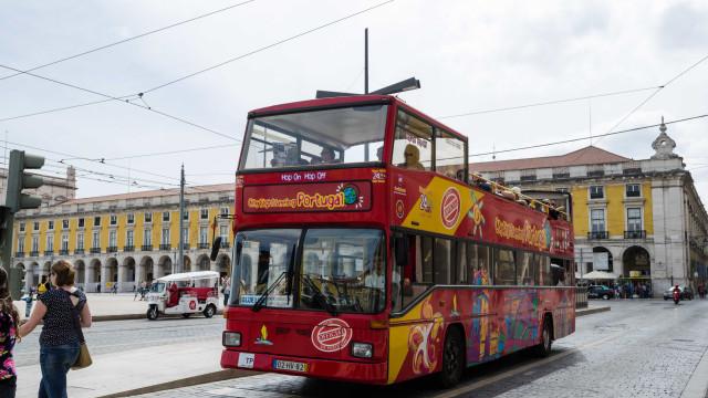 Autocarros turísticos com mais de 9 lugares proibidos no centro de Lisboa