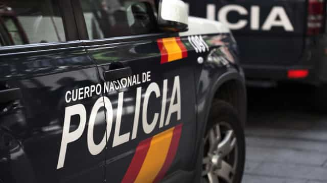 Três homens esfaqueados em estância de férias em Espanha