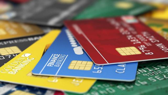 Cartão de crédito gratuito e com descontos? Estes são os que dão mais