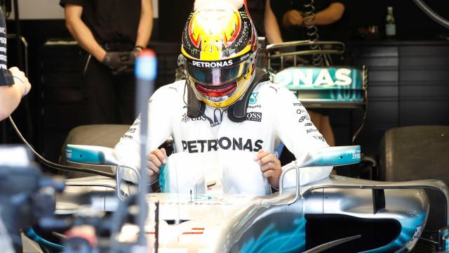 Hamilton não quebrou promessa e deixou-se ser ultrapassado por Bottas