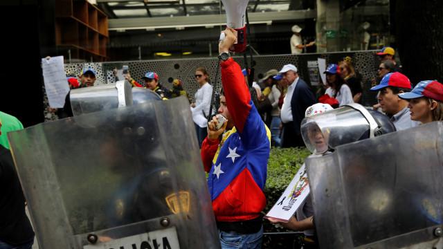 Centenas marcham a favor da Assembleia Constituinte em Caracas