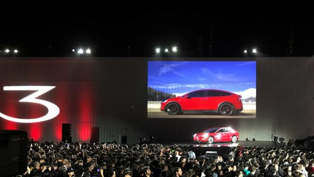 Nunca se vai poder esquecer do smartphone se tiver um Tesla Model 3