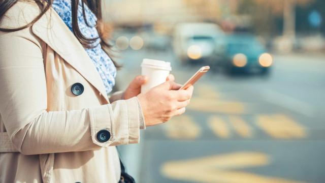 Startup cria casaco tecnológico que visa reduzir acidentes com peões