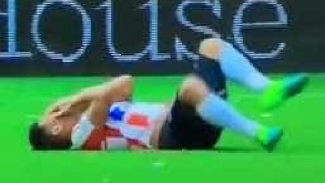 Simulação vale pelo menos dois jogos de castigo a Teo Gutiérrez