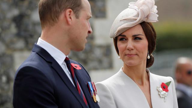 Príncipe William garante que Kate já está a melhorar dos enjoos