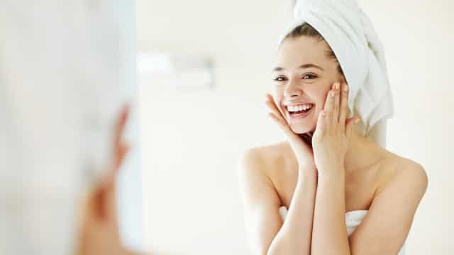 Seca, normal ou oleosa? Descubra qual é o seu tipo de pele em três passos