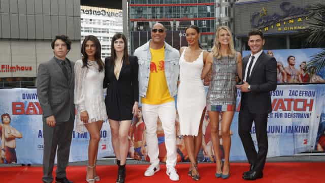 'Baywatch' mergulhou com humor na liderança do box-office
