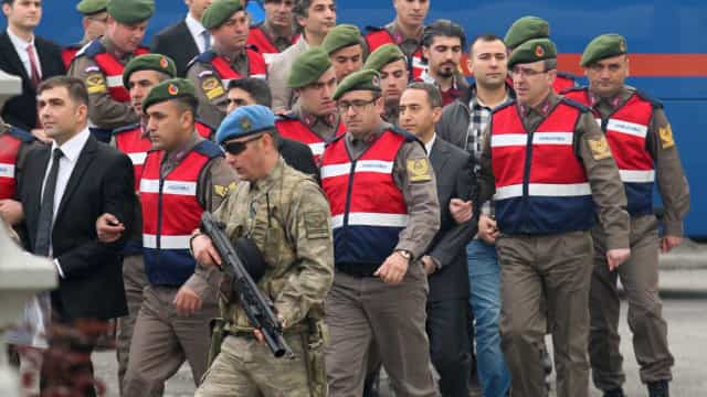 Detidos 115 membros das forças armadas por supostas ligações a Gülen