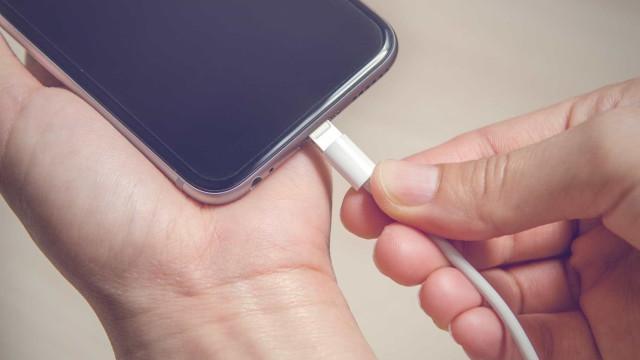 As boas práticas do carregamento de baterias em smartphones