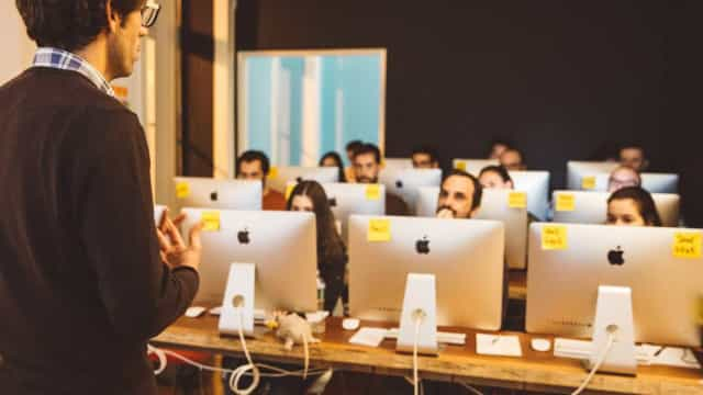 Quer tornar-se programador? Então esta academia é para si