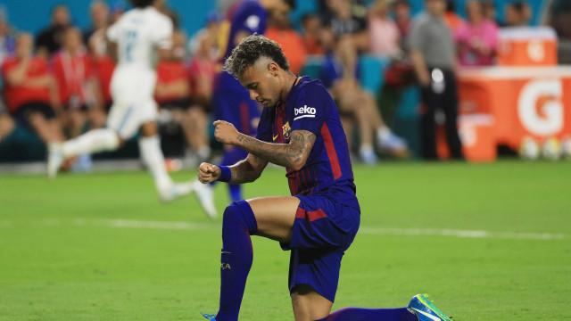 Neymar falha regresso aos treinos e ruma ao Brasil