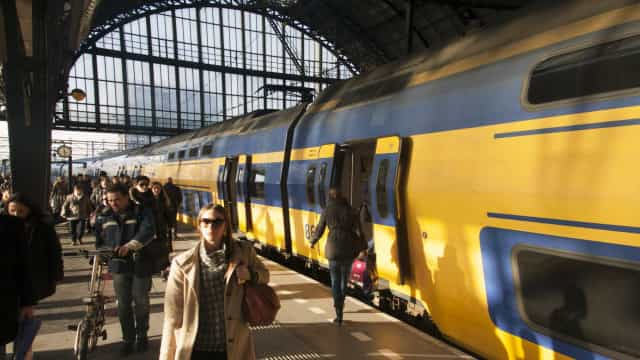 Nem senhores, nem senhoras. Comboios na Holanda vão usar termos neutros