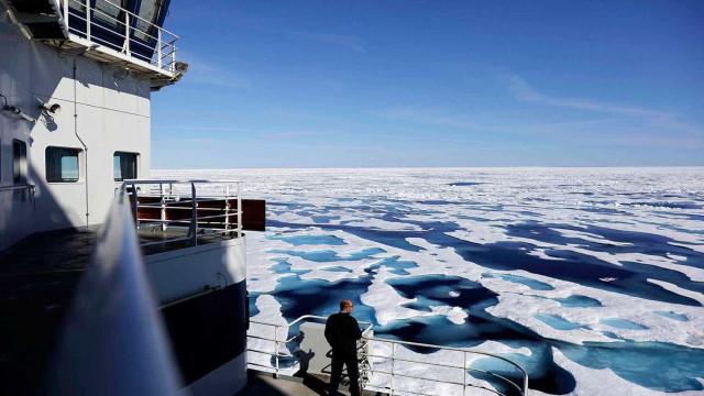 Viver no Ártico pode ser difícil mas não neste quebra-gelo