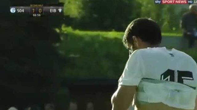 Ex-FC Porto não fez por menos. Mais um auto-golo do outro mundo
