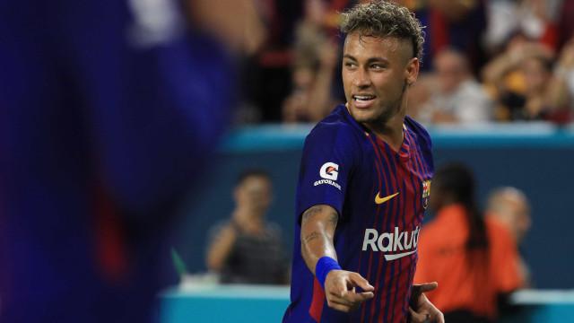 Neymar ameaça deixar o Barcelona. E agora, 'PES 2018'?