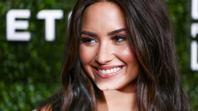 """Pela """"primeira vez"""", Demi Lovato mantém-se solteira"""