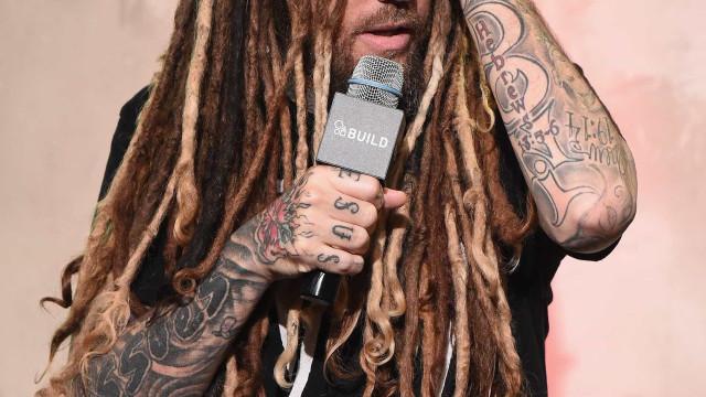 Após criticar suicídio de Chester, guitarrista dos Korn está arrependido